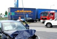 Zderzenie w Rudkach! Auto wjechało na skrzyżowanie na czerwonym świetle