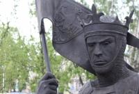 Kolejny posąg Traktu Królewskiego. Przemysł II stanął w rejonie dworca