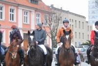 62 konie na gnieźnieńskim Rynku! Kolejny Sylwester w siodle za nami