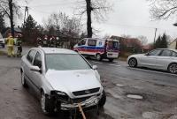 Wypadek w Komorowie! Auto uderzyło w drzewo