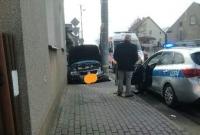 Zderzenie w Kiszkowie! Volkswagen wpadł na chodnik!