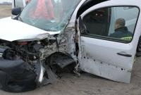 Auto uderzyło w drzewo! Jedna osoba w szpitalu