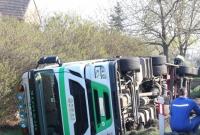 Ciężarówka przewróciła się na bok! Droga była zablokowana