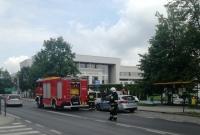Pożar wraków na autolawecie! Pojazdy wcześniej uczestniczyły w tragicznym wypadku