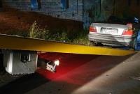 24-latek bez prawa jazdy dachował kabrioletem! Jego dwóch kolegów trafiło do szpitala