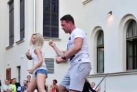 Sportowcy zatańczyli na dziedzińcu Starego Ratusza