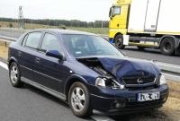 Trzy osobówki zderzyły się na drodze ekspresowej S5
