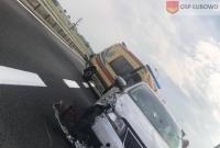 Zderzenie czterech samochodów na węźle w Woźnikach