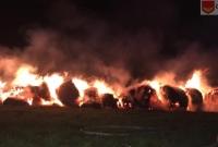 Dwa pożary stogów w Fałkowie! Policjanci złapali podpalacza!