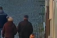 Ukradli 2 500 zł z sejfu! Szuka ich Policja
