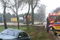 Dwa wypadki w jednym miejscu! Ciężarówka z kwasem zakończyła jazdę w rowie! Czy zawinił operator numeru alarmowego?