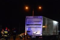 Studzienka uszkodziła cztery samochody na ul. Poznańskiej w Gnieźnie