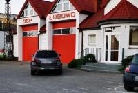 Bałagan pod remizą OSP Łubowo po zbiórce gabarytów