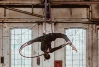 Akrobatyka powietrzna w miejskiej przestrzeni
