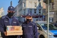 Policjanci przekazali książki