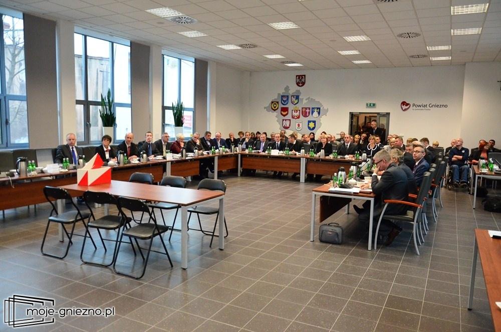 Przerwana pierwsza Sesja Rady Powiatu