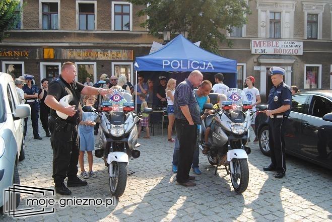 Policjanci zaprezentowali się na gnieźnieńskim Rynku