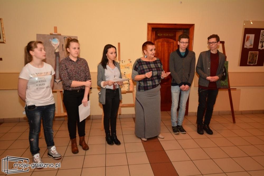 Wystawa 19-letnich artystów w