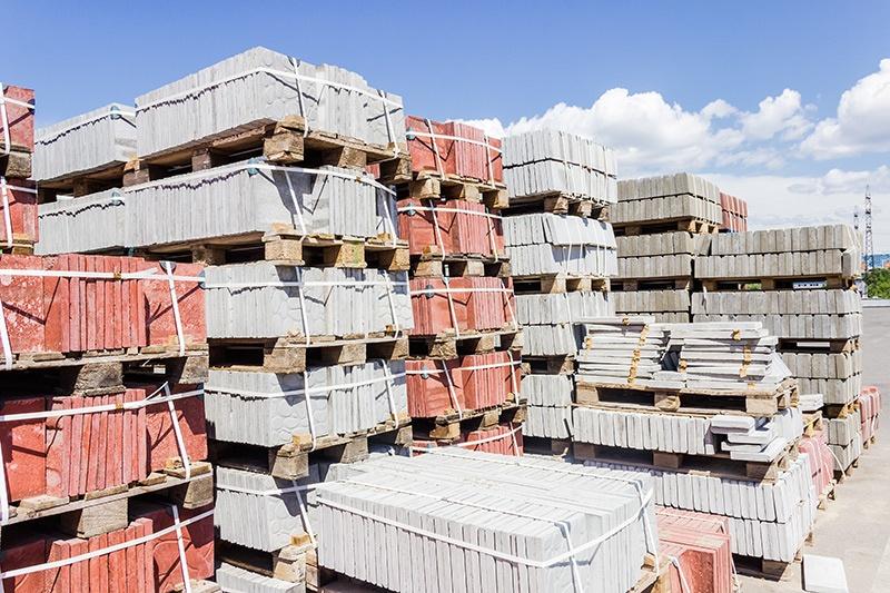 Jak zabezpieczyć materiały budowlane przed zimą?