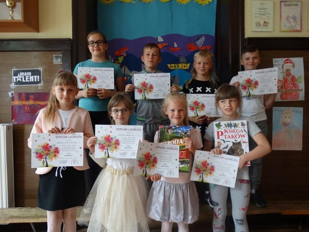 Sukces uczniów szkoły w Zdziechowie