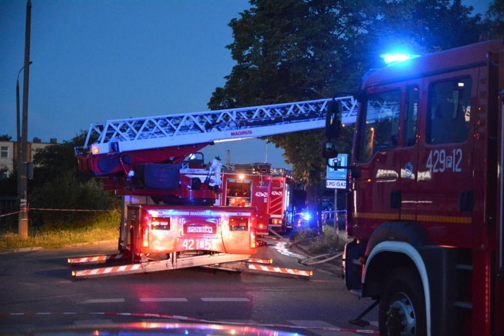 Film z pożaru przy ul. Cymsa w Gnieźnie
