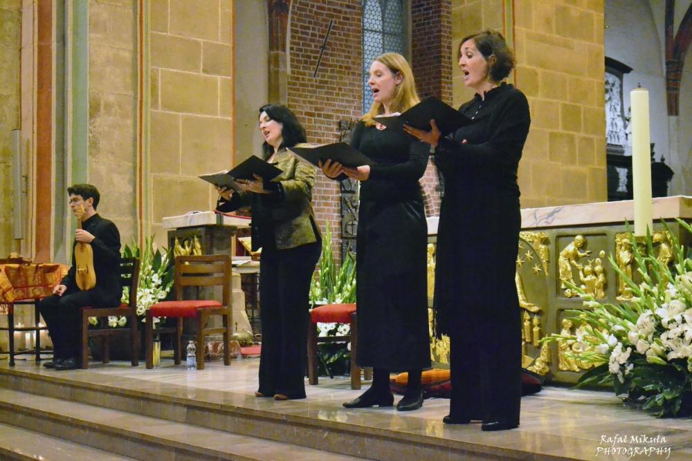Szwajcarscy muzycy zagrali przy grobie Św. Wojciecha