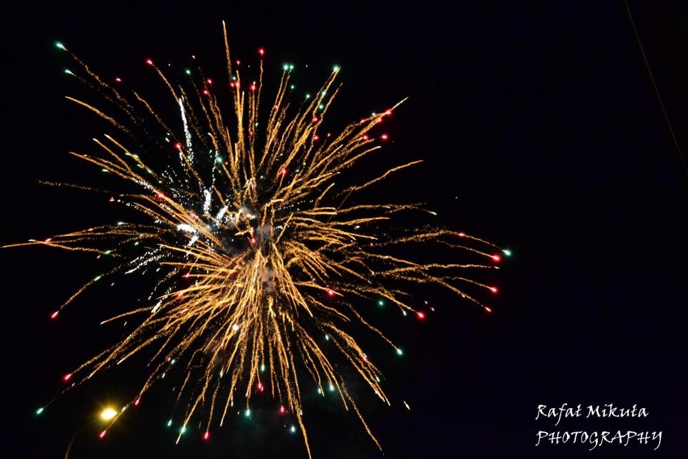 Noworoczny pokaz sztucznych ogni na Winiarach