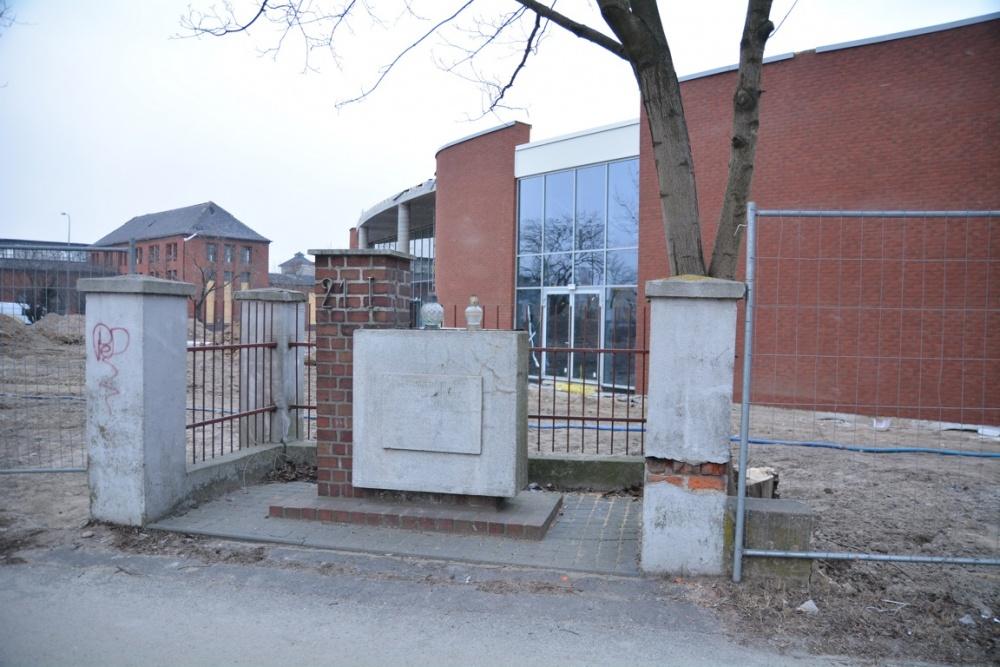 Co dalej z komunistyczną tablicą przy ul. Witkowskiej?