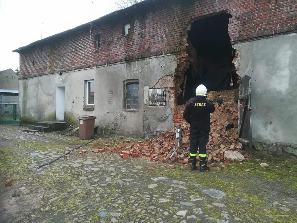 Runęła ściana budynku w Skrzetuszewie