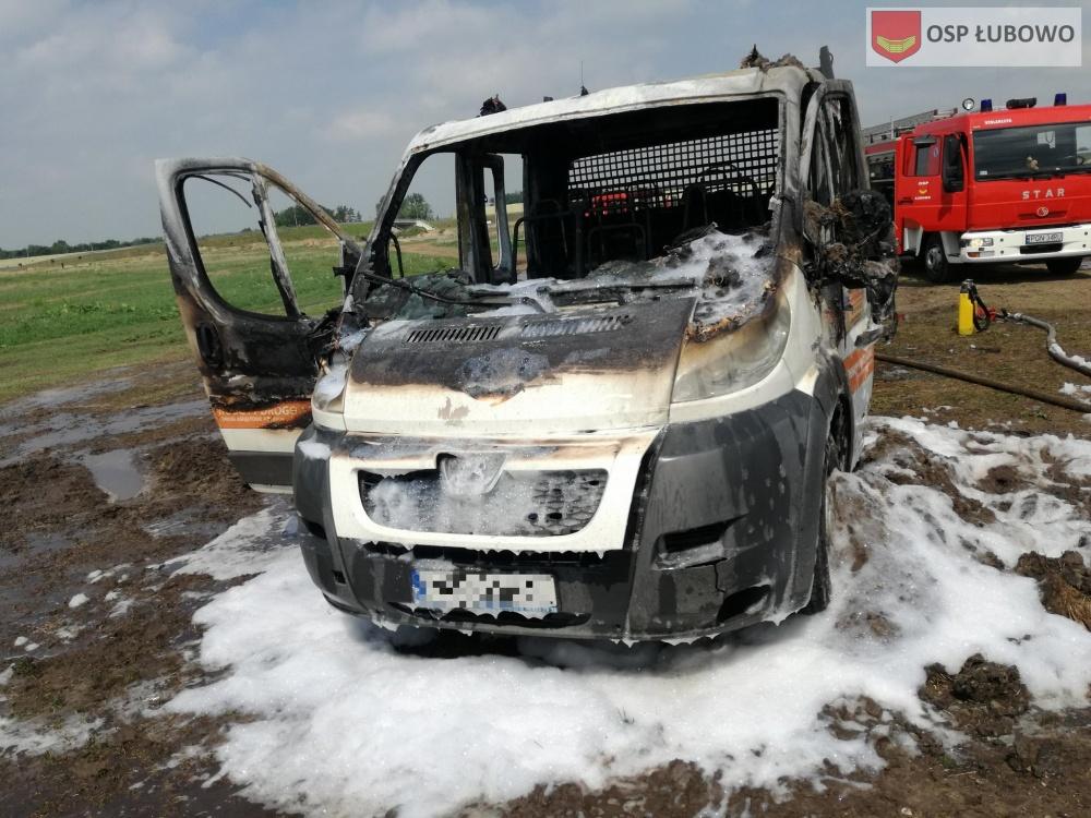 Pożar auta w Fałkowie