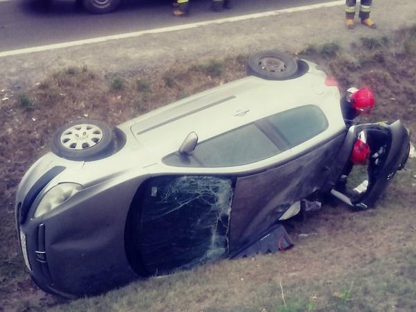 Straciła panowanie nad pojazdem i zakończyła jazdę