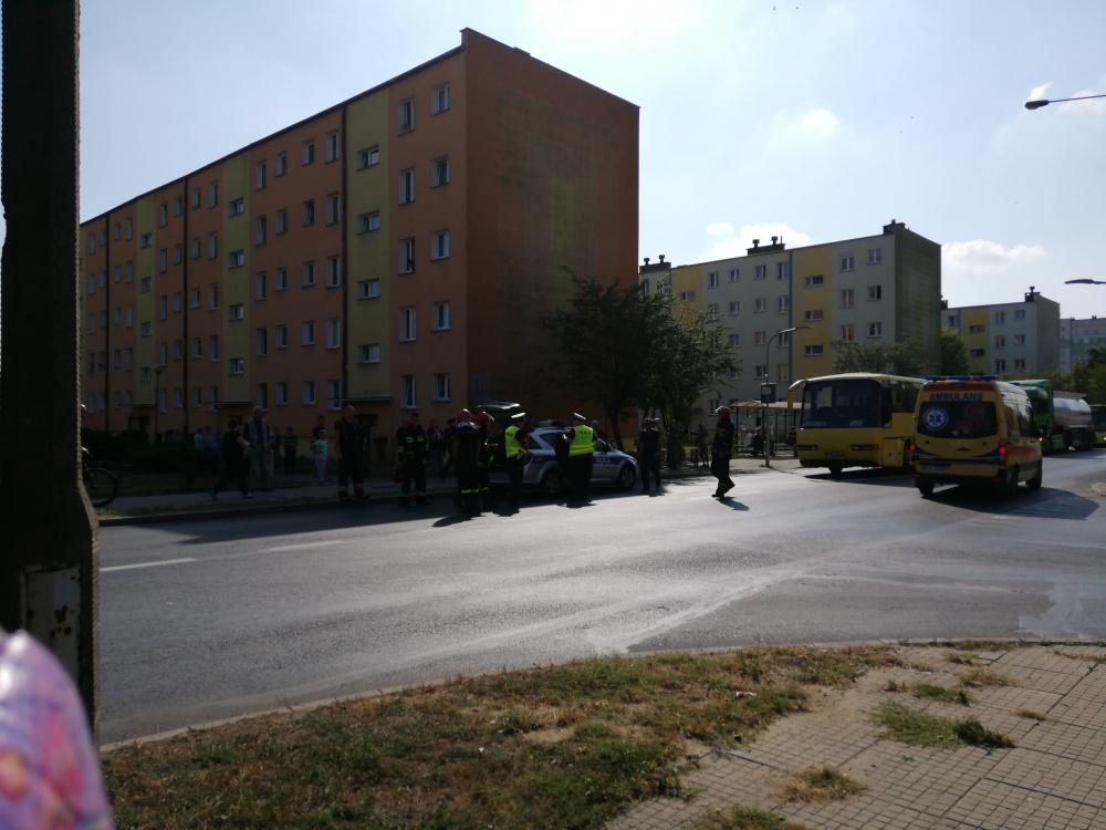 Autobus potrącił kobietę na przejściu dla pieszych