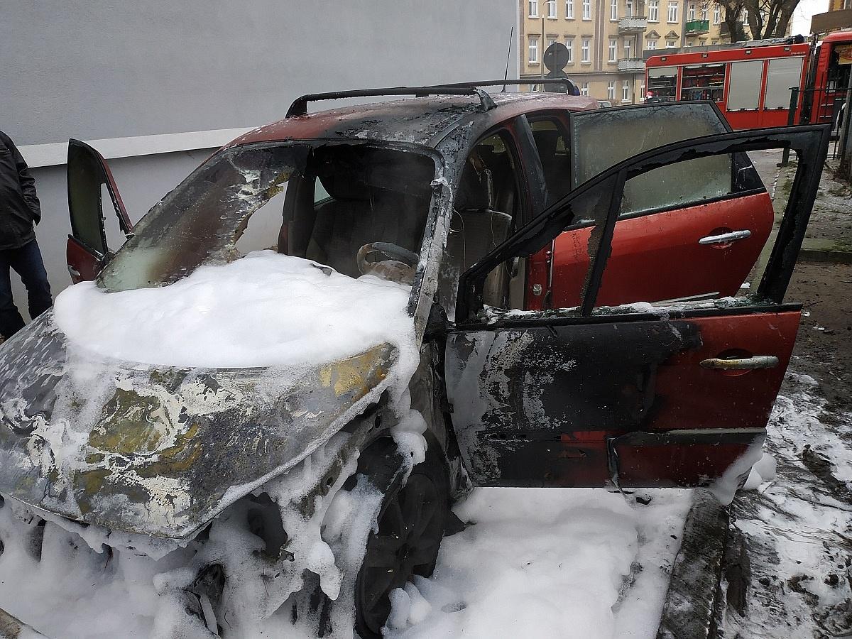 Pożar samochodu osobowego w Gnieźnie