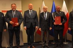 Gmina Czerniejewo z dofinansowaniem do zakupu nowego samochodu dla OSP Żydowo