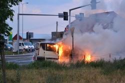 Pożar auta na ul. Poznańskiej w Gnieźnie