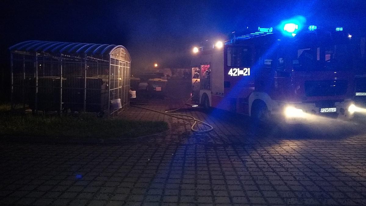 Pożar śmietnika na Kawiarach