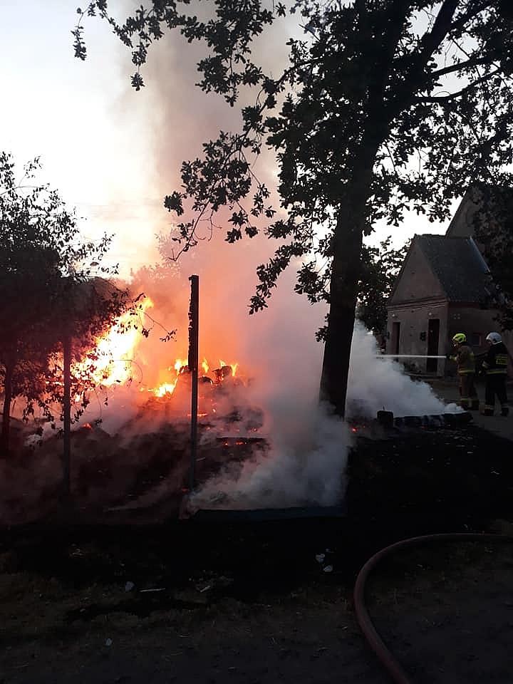 Trzymiesięczny areszt za podpalenia. Policjanci ewakuowali rodzinę