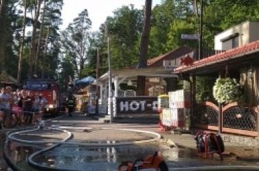 Groźny pożar smażalni ryb w Skorzęcinie! Mężczyzna doznał poważnych poparzeń