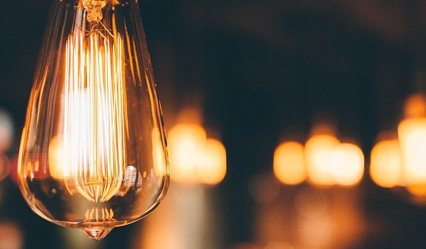 Stabilne ceny energii - Enea przypomina o możliwości złożenia oświadczenia przez uprawnione samorządy oraz mikro i małe przedsiębiorstwa