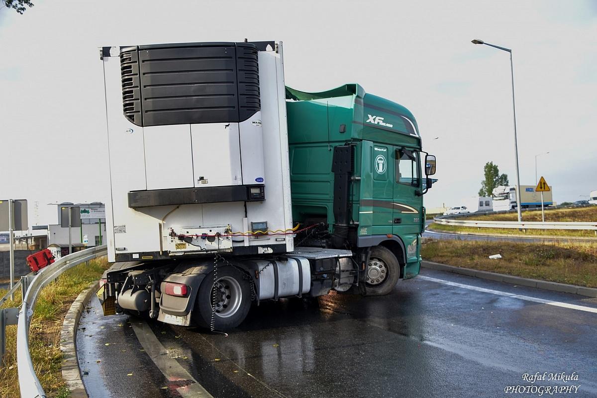Kolejna ciężarówka