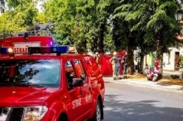 Wypadek w Czerniejewie! Samochód osobowy zderzył się ze skuterem
