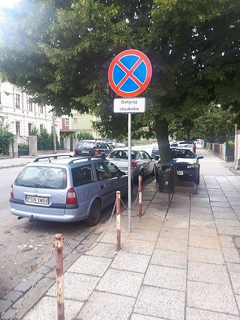 Komunikat Powiatowego Zarządu Dróg dot. parkowania na ul. 3 Maja w Gnieźnie