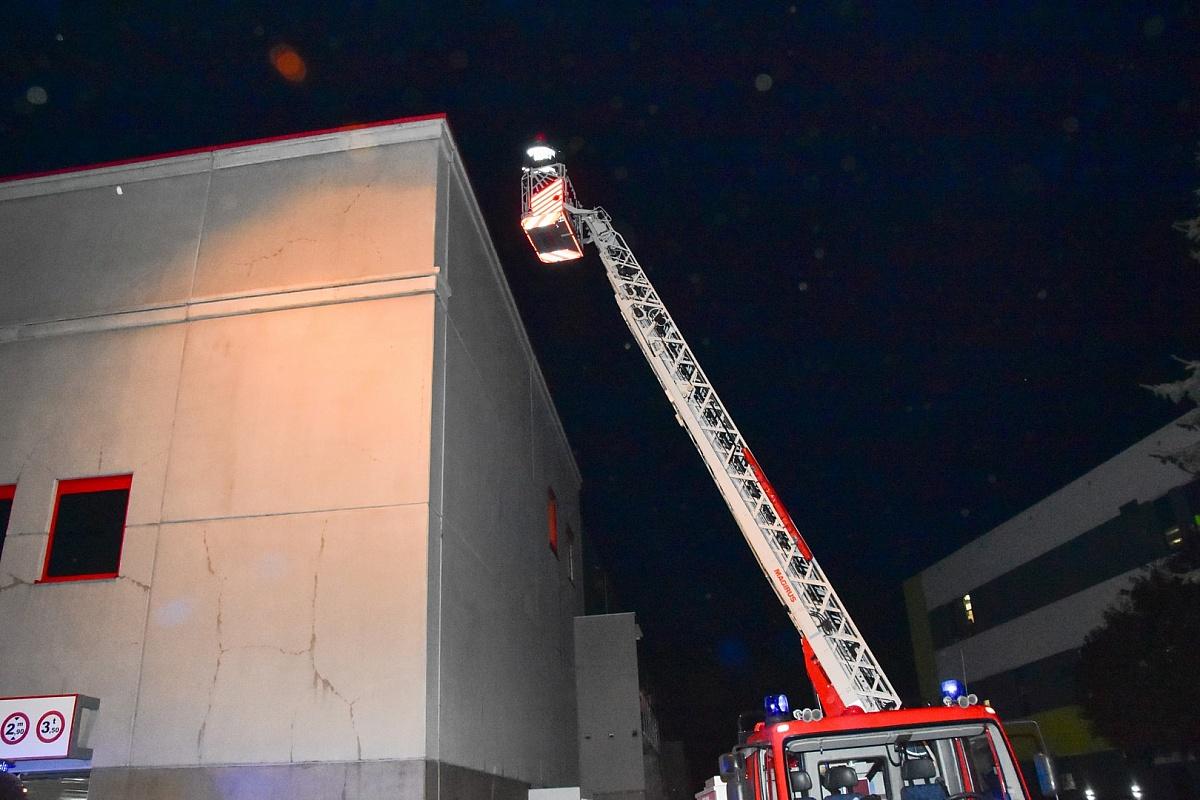 3 zastępy Straży Pożarnej pod Kauflandem! Ewakuowano klientów i pracowników sklepów