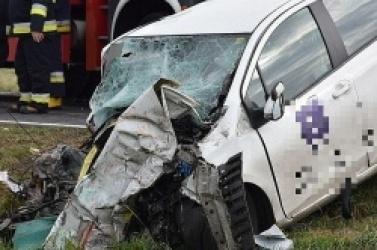 Wypadek na drodze krajowej nr 15! Nie żyje instruktor nauki jazdy z Gniezna! 44-letnia kursantka jest w stanie ciężkim!