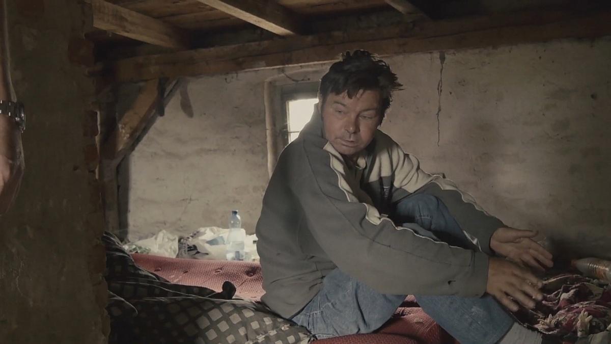 Tragedia bezdomnego w opuszczonej chlewni z czasów PRL-u