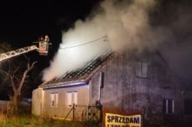 Pożar domu w Osińcu! W akcji 4 zastępy Straży Pożarnej