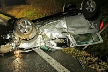 Zderzenie dwóch samochodów w Moraczewie! Osobówka dachowała