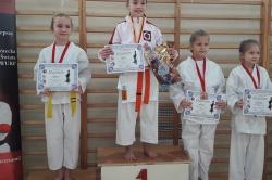 Ostatnie zawody w tym roku i worek medali karateków Inochi Gniezno