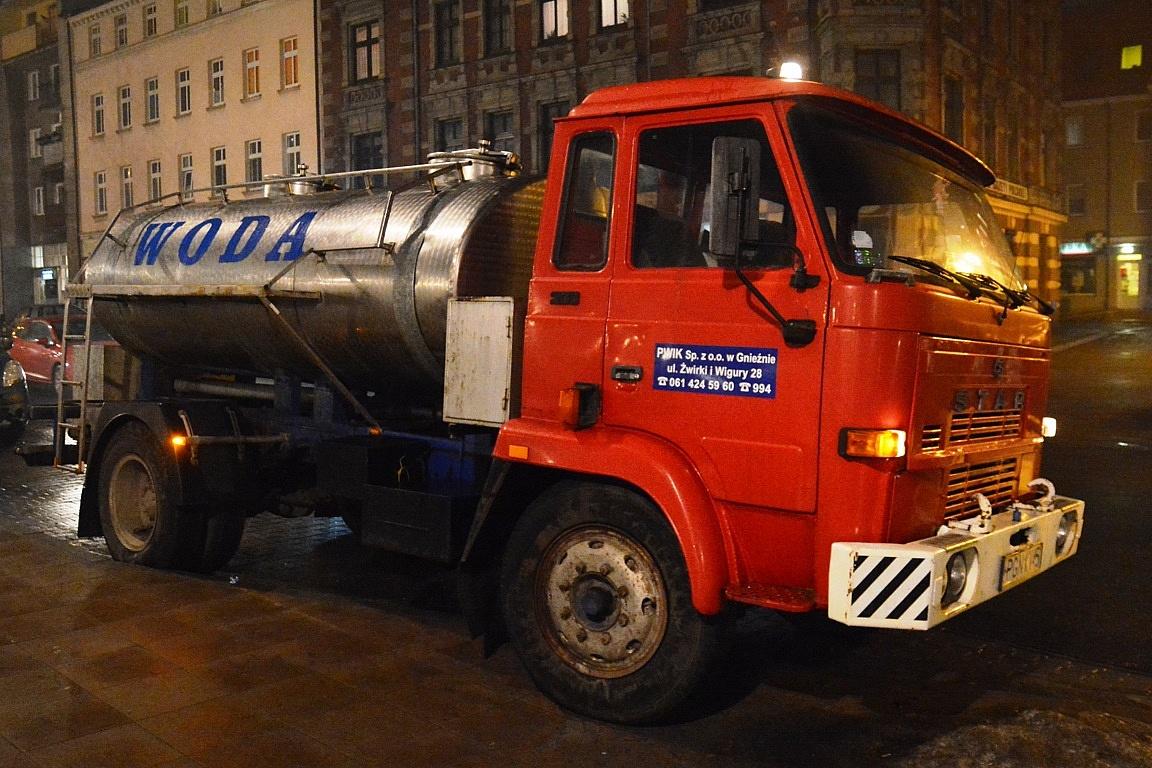Komunikat PWiK: zamknięta ulica w centrum Gniezna z powodu awarii sieci wodociągowej