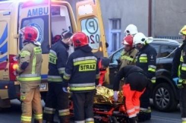 Poważny wypadek w Trzemesznie! Skuter uderzył w samochód osobowy!